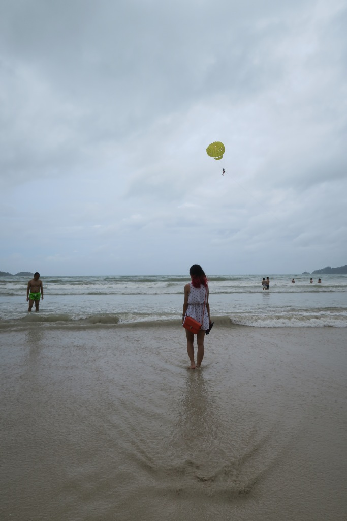 Brief pit-stop in Phuket: Cloudy day on the beach.